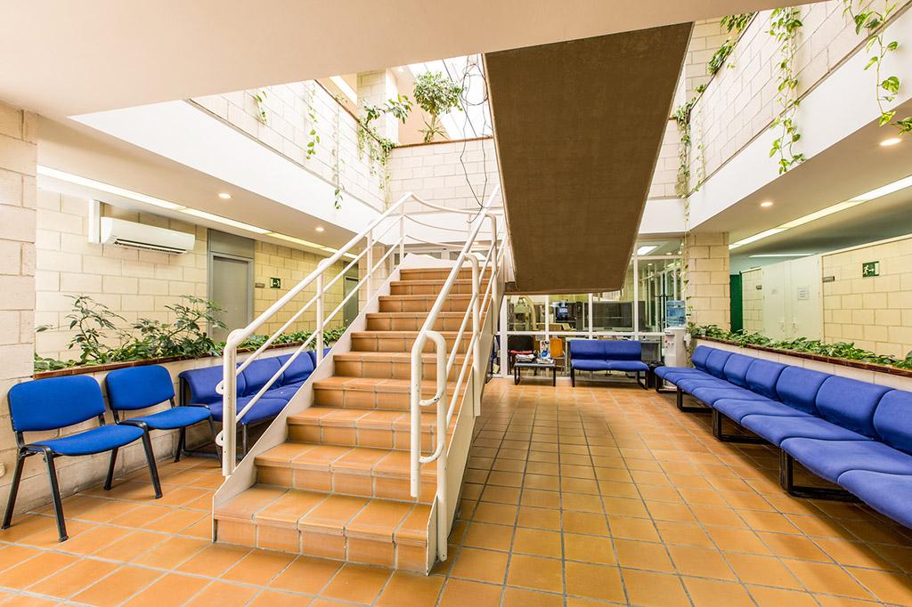 sala-espera-ortosur-web-nuestras-instalaciones